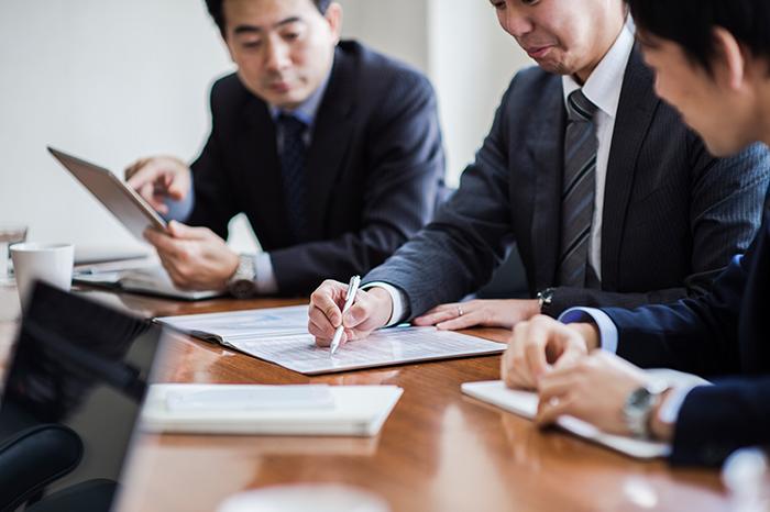 ベンチャー投資、M&A、契約交渉、訴訟など、アメリカの弁護士や会計士を交えた会議での同行通訳。